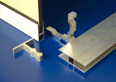Alu-Rahmensystem mit Baukompaktplatten
